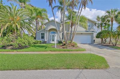Clearwater Beach Single Family Home For Sale: 819 Bay Esplanade