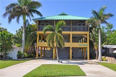 Madeira Beach Single Family Home For Sale: 15394 2nd Street E