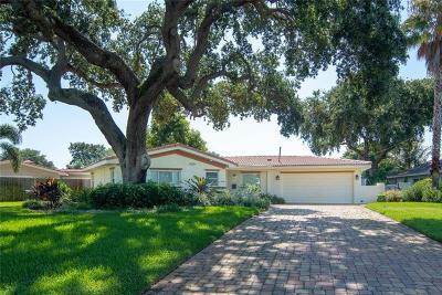 St Petersburg FL Single Family Home For Sale: $695,000
