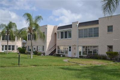 Seminole Condo For Sale: 203 Dogwood Circle