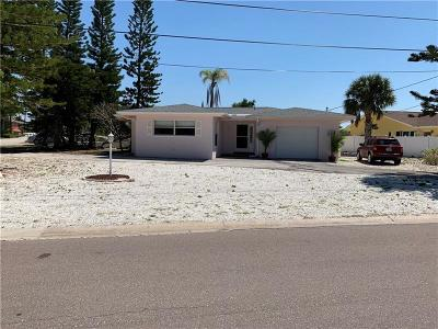 Belleair Beach Single Family Home For Sale: 2109 Bayshore Drive