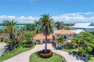 North Redington Beach Single Family Home For Sale: 17323 Kennedy Drive