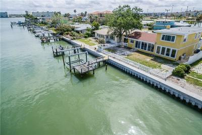 Madeira Beach Single Family Home For Sale: 15315 Harbor Drive
