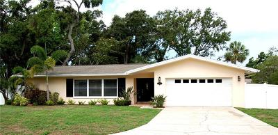 Belleair Bluffs Single Family Home For Sale: 719 Oakridge Lane