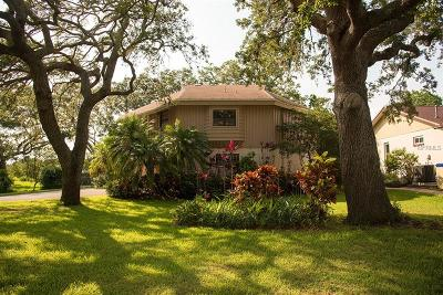 Seminole Single Family Home For Sale: 5828 Oakhurst Drive