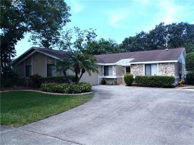Palm Harbor Single Family Home For Sale: 341 Foxcroft Drive E