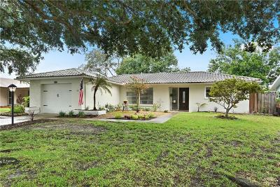 Clearwater Single Family Home For Sale: 2537 Bramblewood Drive W