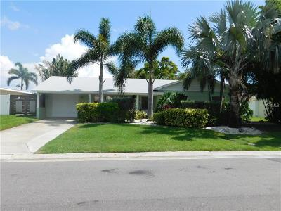 St Petersburg Single Family Home For Sale: 7882 Causeway Boulevard S