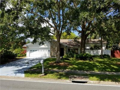 Clearwater Single Family Home For Sale: 13891 Feather Sound Drive