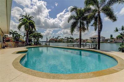 Treasure Island Single Family Home For Sale: 785 Capri Boulevard