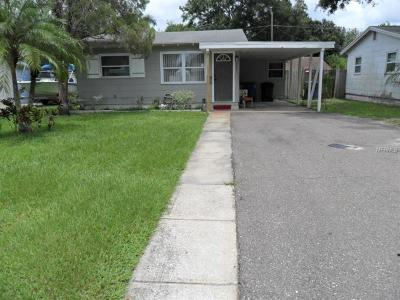 St Petersburg Single Family Home For Sale: 3501 Ithaca Street N