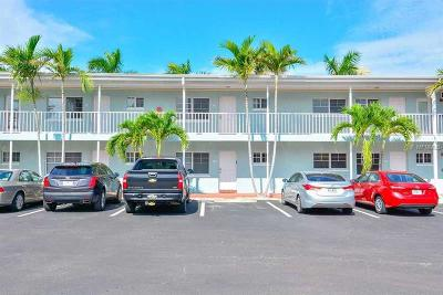 Indian Shores Condo For Sale: 19417 Gulf Boulevard #D-108