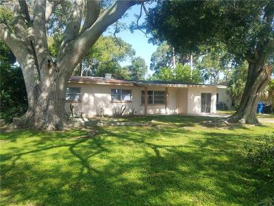Largo Single Family Home For Sale: 11574 Oval Drive E