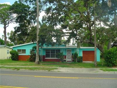 Dunedin Single Family Home For Sale: 1790 Bayshore Boulevard