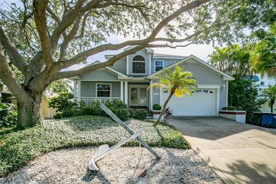 Clearwater Beach Single Family Home For Sale: 711 Bay Esplanade