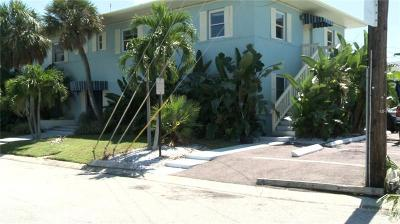Clearwater Beach Multi Family Home For Sale: 685 Bay Esplanade