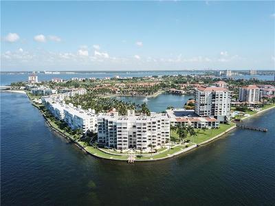 St Petersburg Condo For Sale: 6105 Bahia Del Mar Circle #784