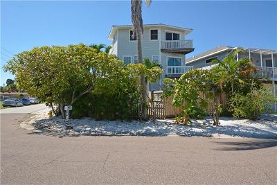 Madeira Beach Single Family Home For Sale: 14500 N Bayshore Drive