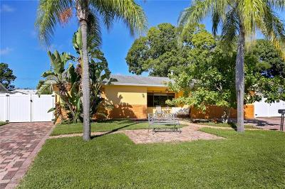 St Petersburg FL Single Family Home For Sale: $339,000