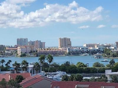 Clearwater Beach Condo For Sale: 255 Dolphin Point #806
