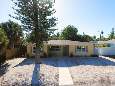 Saint Pete Beach, St Pete Beach Single Family Home For Sale: 470 80th Way