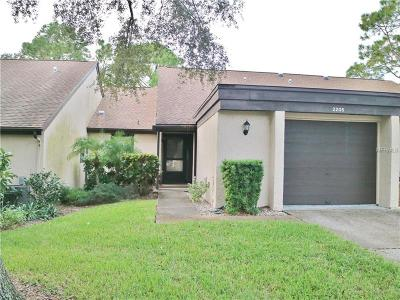 Tarpon Springs Villa For Sale: 2205 Pine Drive