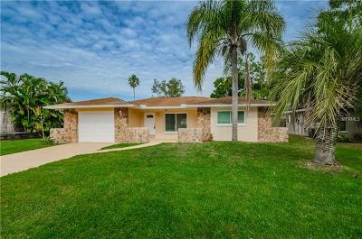 Oldsmar Single Family Home For Sale: 1812 Mapleleaf Boulevard