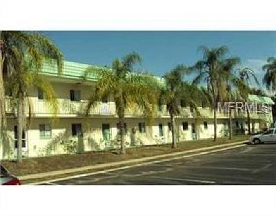 Clearwater Condo For Sale: 2001 Greenbriar Boulevard #16
