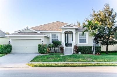 Tarpon Springs Single Family Home For Sale: 1021 Blue Heron Way