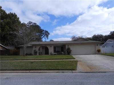 Clearwater Single Family Home For Sale: 2547 Splitwood Way