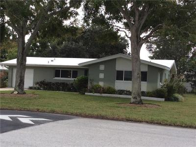 Belleair Bluffs Single Family Home For Sale: 2914 Sunset Boulevard