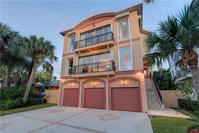 Clearwater, Clearwater Beach Single Family Home For Sale: 1015 Eldorado Avenue