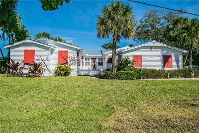 Redington Beach Single Family Home For Sale: 15561 Redington Drive