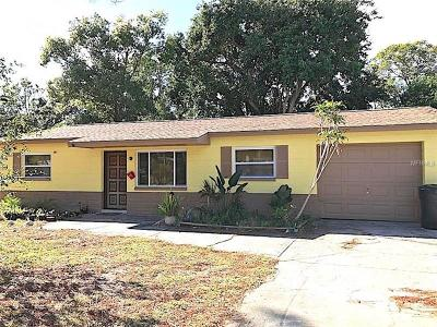 St Petersburg Single Family Home For Sale: 2656 Granada Circle W