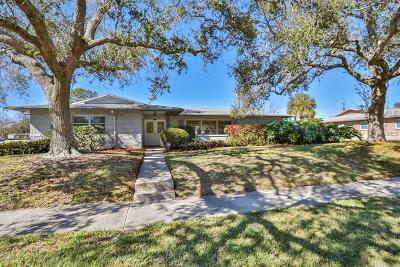 Seminole Single Family Home For Sale: 9498 Commodore Drive