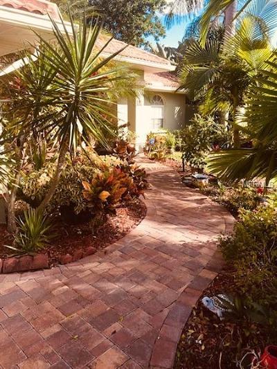 Nokomis Single Family Home For Sale: 462 E Rubens Drive