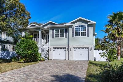 Palm Harbor Single Family Home For Sale: 11 Baywood Drive