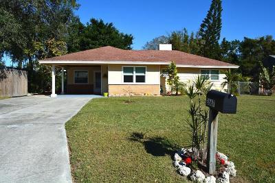 Sarasota Single Family Home For Sale: 2667 Nancy Street