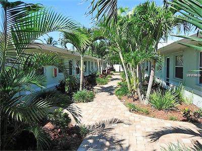 St Pete Beach Condo For Sale: 9040 Blind Pass Road #B2