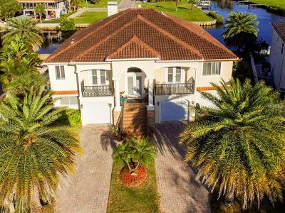 Tarpon Springs Single Family Home For Sale: 202 Manatee Lane
