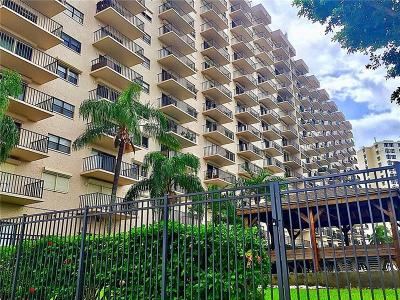 Pinellas County Condo For Sale: 7050 Sunset Drive S #416
