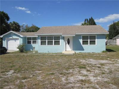 Largo Single Family Home For Sale: 14663 Sunset Drive