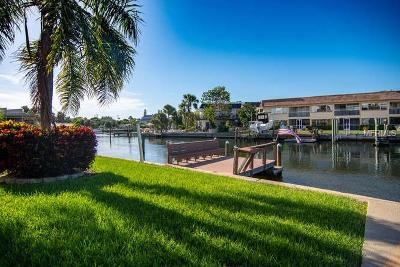 Clearwater Beach, Indian Rocks Beach, Indian Shores, Redington Beach, Redington Shores, Madeira Beach, Treasure Island, Tierra Verde, Belleair Beach, St. Pete Beach, Treasure Island  Condo For Sale: 184 117th Avenue #4