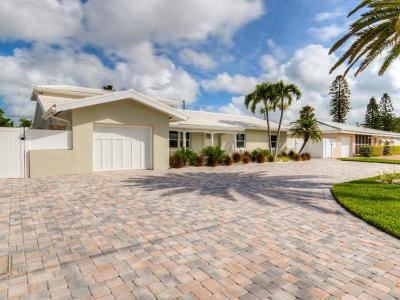 St Pete Beach Single Family Home For Sale: 2270 E Vina Del Mar Boulevard