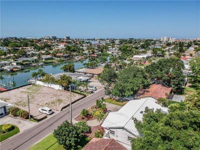 St Petersburg Single Family Home For Sale: 7823 Causeway Boulevard S