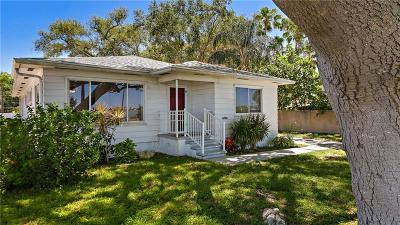 Clearwater Single Family Home For Sale: 1949 Edgewater Drive