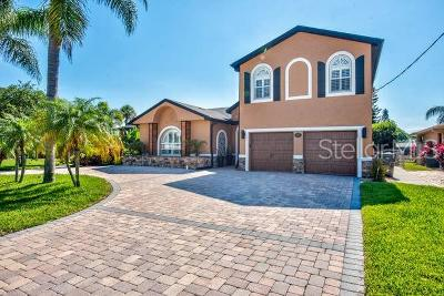 Tampa Single Family Home For Sale: 3935 E Eden Roc Circle