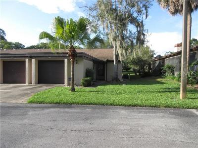 Tarpon Springs Villa For Sale: 1306 Golfview Drive