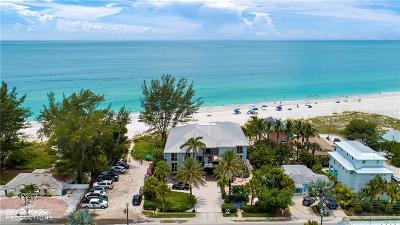 Holmes Beach Condo For Sale: 3302 Gulf Drive #103