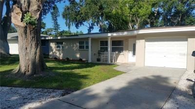 Largo Single Family Home For Sale: 11574 Oval Drive E